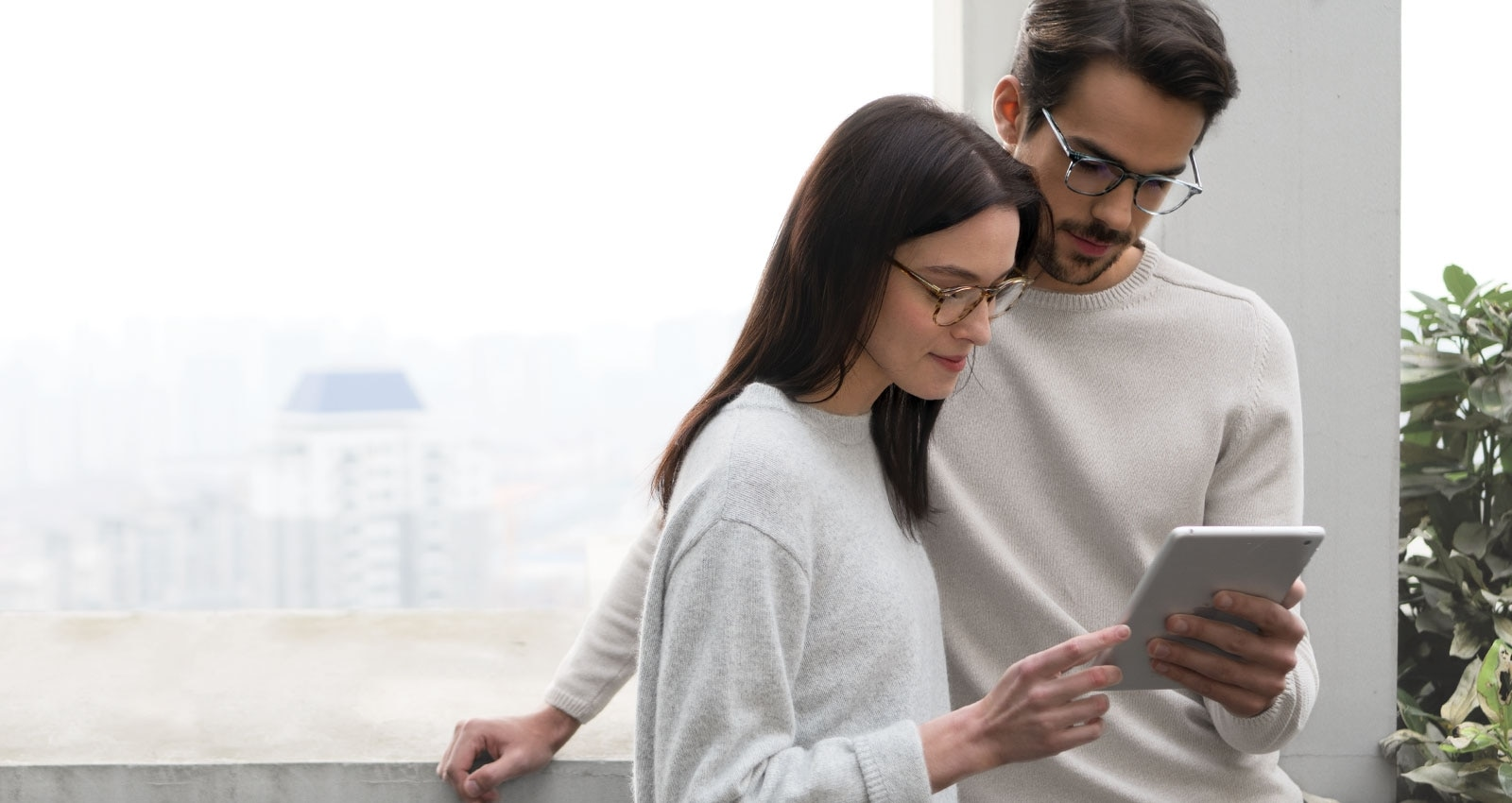 68147cee3af Top 3 Stores To Buy Glasses Online in 2019 - TYLLE