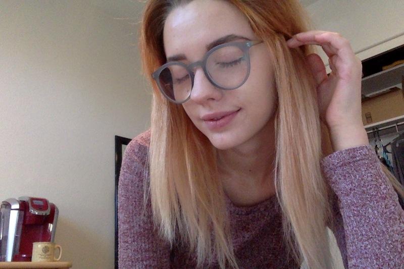 Cheryl J. - Matte Gray - round - plastic