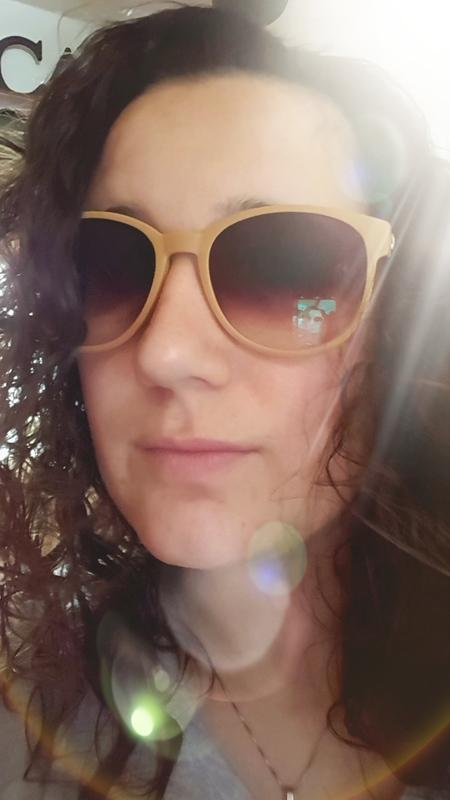 Shannon R. - Matte Orange - round - plastic