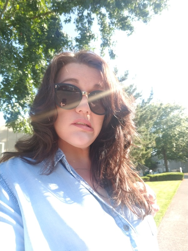 Emily J J. - Matte Black - round - plastic