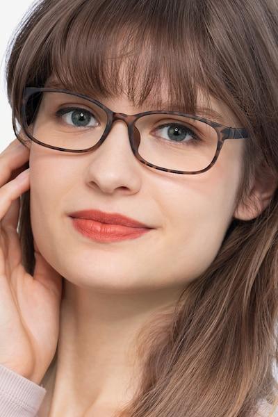 Sutherlin Ecaille Plastique Montures de Lunettes pour Femmes d'EyeBuyDirect, Vue de Face