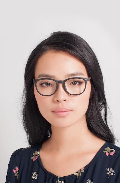 Yolo Noir/Brun Plastique Montures de Lunettes pour Femmes d'EyeBuyDirect, Vue de Face