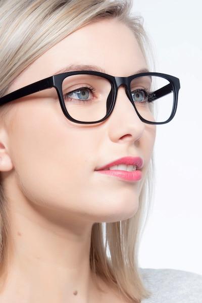 Milo Matte Black Plastique Montures de Lunettes pour Femmes d'EyeBuyDirect, Vue de Face