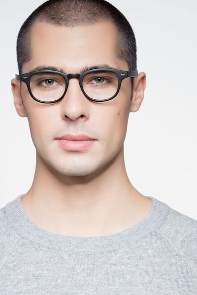 Atomic Matte Black Plastique Montures de Lunettes pour Hommes d'EyeBuyDirect, Vue de Face