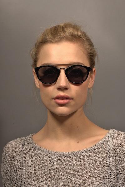 Enzo Noir Acétate Soleil de Lunettes pour Femmes d'EyeBuyDirect, Vue de Face