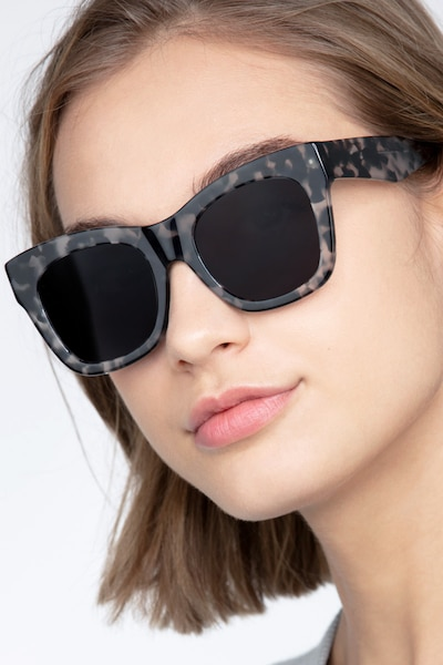 Calico Gray Floral Acétate Soleil de Lunettes pour Femmes d'EyeBuyDirect
