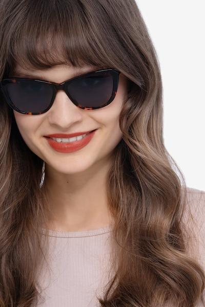 Sun Charlotte Écailles Acétate Soleil de Lunette de vue pour Femmes d'EyeBuyDirect, Vue de Face