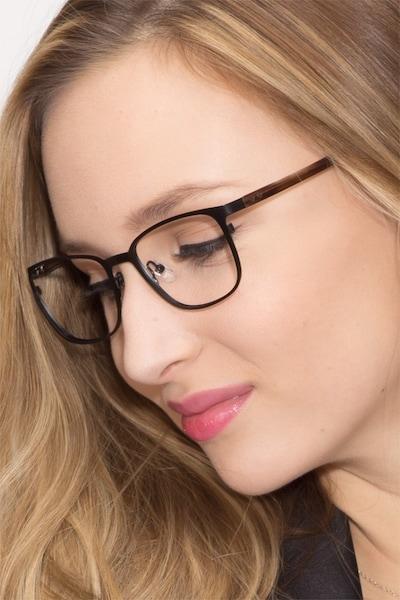 Lines - women model image