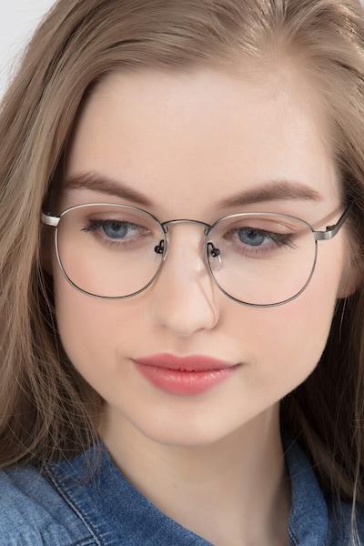 St Michel - women model image