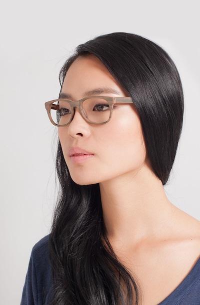 Panama - women model image