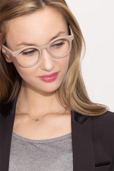 Breeze - women model image