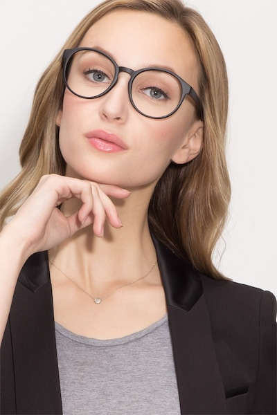 Delaware - women model image