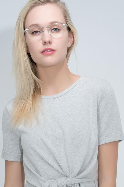 Aura - women model image