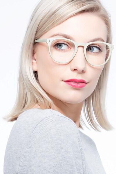 Legendary - women model image