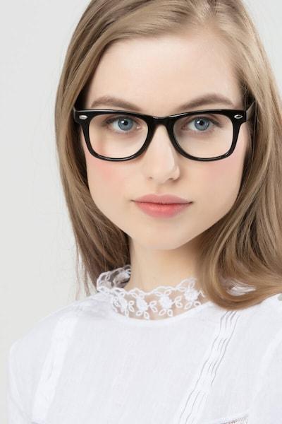 Atlee - women model image