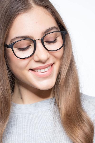 Miyoshi - women model image