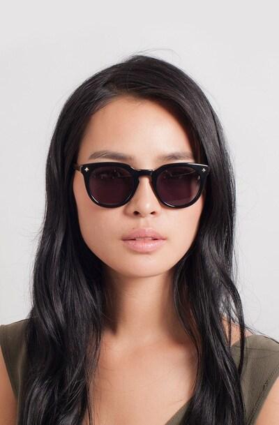 Zoe - women model image