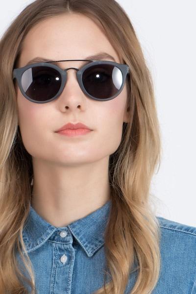 Enzo - women model image