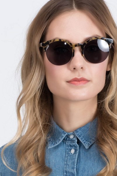 Verona - women model image