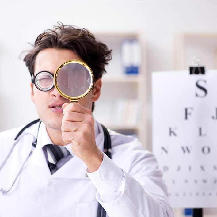magnifying-glass-doctor